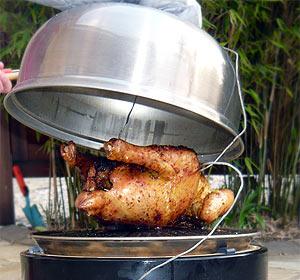 Hähnchen auf dem Cobb-Grill