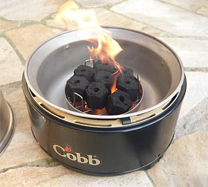 Cobb-Grill mit Kokos-Briketts