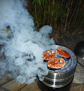 Water Smoker Test mit Lachs-Koteletts
