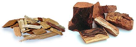 Mesquite-Holz als Woodchips und als Stücke