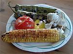 Zutaten vom Grill für Roasted Corn Salsa