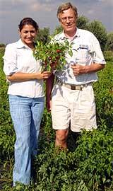 Morena und Harald mit Mini-Kirsch-Peperoncinos
