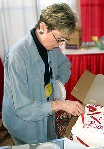 MJ cutting the cake