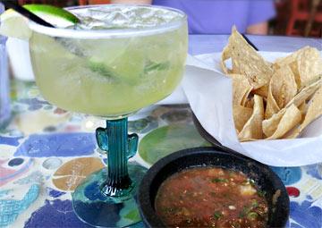 Mmmmh.... Margarita,  Chips und salsa... ein guter Start