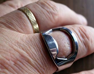 Flaschenöffner-Ring