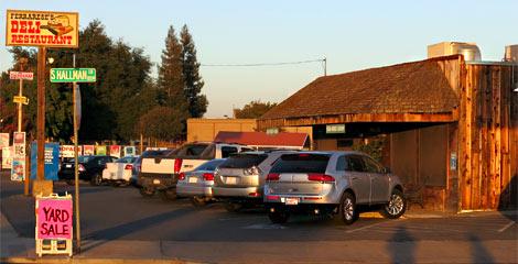 Ferrarese's Deli Restaurant in Oakdale